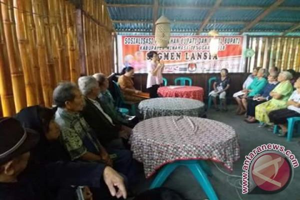 Pilkada Minahasa Tenggara Disosialisasikan Kepada Lansia dan Perempuan