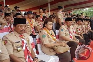 Gubernur Olly Dondokambey Raih Lencana Dharma Bakti