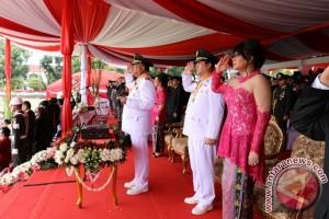 Gubernur Olly Irup Peringatan HUT Kemerdekaan RI