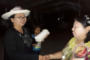 Lanjut Usia Wasian-Minahasa Ramaikan Hut RI Ke-72