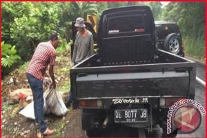 Warga Mitra Kedapatan Buang Sampah di Minahasa