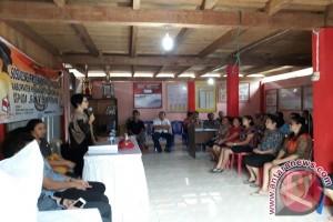 KPU Minahasa Tenggara Sosialisasikan Pilkada Bagi Perempuan