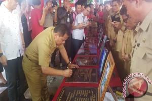Sajow Resmikan Sejumlah Proyek di Kecamatan Mandolang