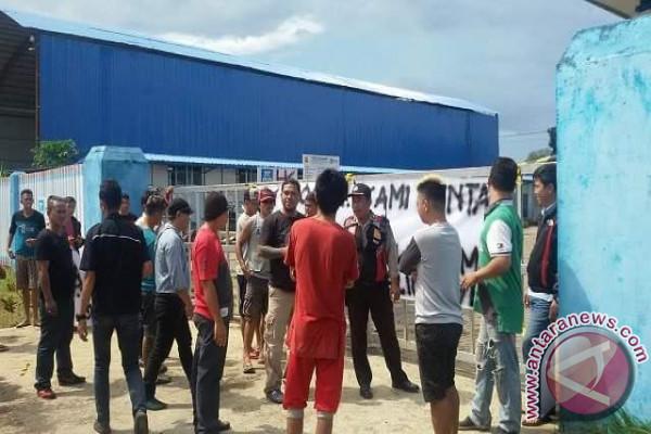 Ratusan Pekerja Tol Manado-Bitung  Demo PT Sino-HK Tuntut Gaji