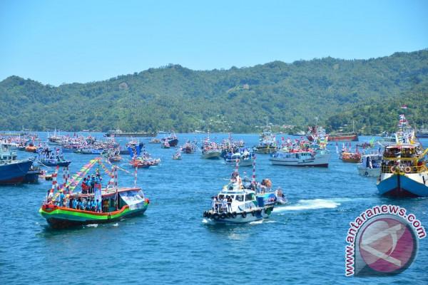 Lomban Buka Lomba Renang dan Sailing Pass rangkaian FPSL