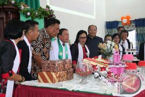 Gubernur Ajak Jemaat GMIM Zaitun Kalawat Bina Generasi Muda