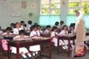 Pemerintah perhatikan penghasilan guru agar semakin profesional