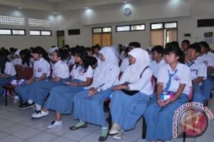 'Likuran' Siswa Mataram Pertukaran Pelajar ke Bali