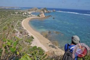 "Pariwisata Lombok Tengah Untuk ""Indonesia WOW"""