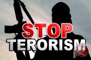 Tiga warga hilang setelah penggerebekan terduga teroris
