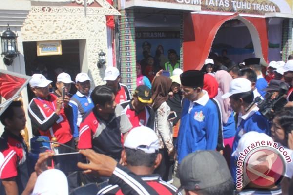 Gubernur Luncurkan Program Daerah Pemberdayaan Gotong Royong