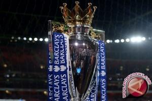 Chelsea tahan Spurs, Leicester juara Liga Premier 2016