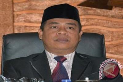 Umar Said resmi dicopot dari kursi Ketua DPRD NTB
