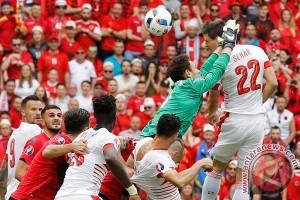 Swiss di gerbang 16 besar setelah imbang dengan Rumania