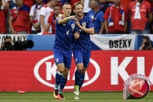 Euro 2016 - Sempat tertinggal, Ceko tahan Kroasia 2-2