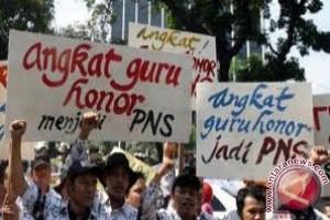 PGRI NTB: Nasib Ribuan Guru Honorer Mengambang