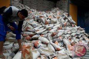 Ratusan Ton Beras Bulog Bima Terendam Banjir