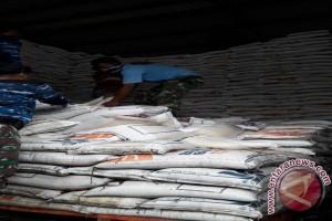Bulog Salurkan Cadangan Beras Pemerintah untuk Korban Banjir Bima
