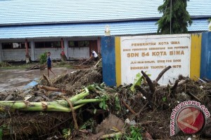 LPA: Korban Banjir Bima Butuh Seragam Sekolah