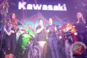 Ratusan Penggemar Sambut Peluncuran Kawasaki Versys-X 250 di Lombok