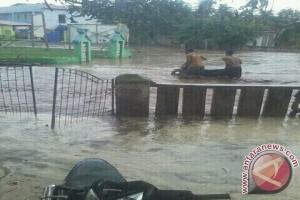 Ratusan Warga Kore Bima Terdampak Banjir Bandang