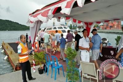Kapal Seabourn Encore Bawa 551 Wisatawan ke Lombok