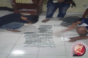 Polisi Amankan 4.800 Butir Obat Tramadol
