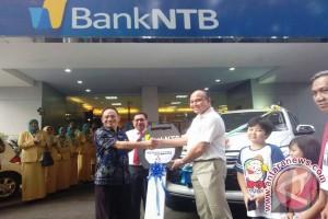 Dokter RSUP Raih Pajero Sport dari Bank NTB