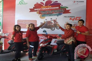 Program Gebyar Ricky Smartphone with Telkomsel, Apresiasi Bagi Pelanggan Setia