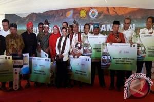 BUMN Serahkan Bantuan Rp2,49 Miliar ke Sembalun