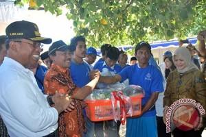 KKP Serahkan Bantuan Rp50 Miliar untuk Nelayan Lombok