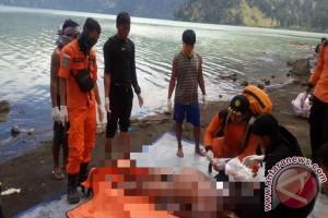 Tim SAR Evakuasi Jenazah Warga Bali dari Gunung Rinjani