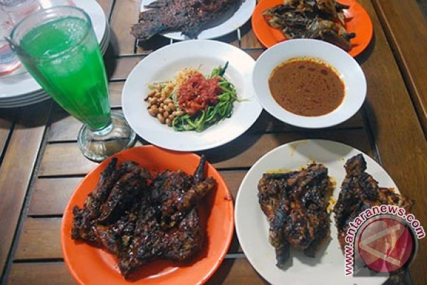 Lombok Taksi-Ayam Taliwang Berikan
