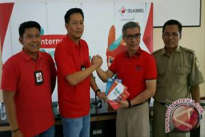 "Telkomsel Kampanyekan ""Internet Baik"" di Lombok Timur"