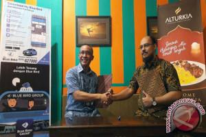 Mau Kuliner Timur Tengah Dengan Discount, Pakai Lombok Taksi