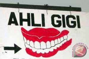 Pemkot Mataram Tegur Tukang Gigi Tidak Berizin