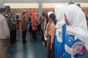 Anak Penerima PKH di Mataram Mampu Berprestasi