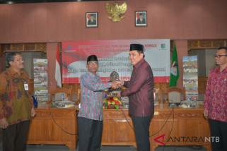Bupati Lombok Barat minta pengelola perpustakaan berinovasi