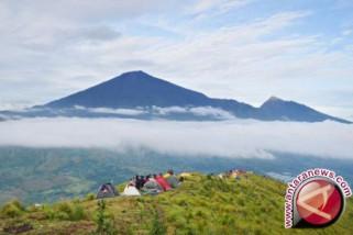 Pendapatan Taman Nasional Rinjani lampaui target 2018