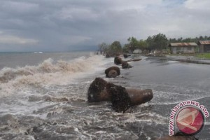 Gelombang 3,5 meter terjadi di perairan NTT