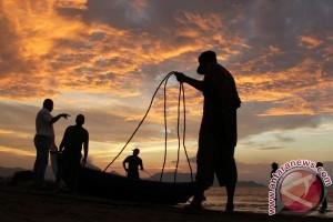 Nelayan Kembali Melaut