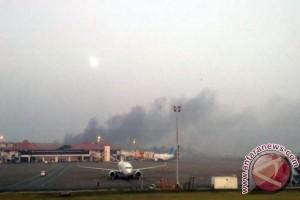 """Kebakaran Terjadi Di """"Run Way"""" Bandara El-Tari"""