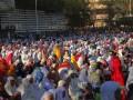 Umat muslim tengah menjalankan Salat Idul Adha di Lapangan Polda NTT, Jumat. (Foto Antara/Kornelis Kaha).