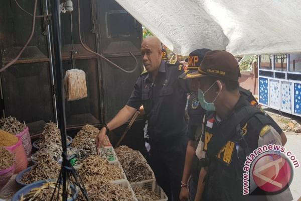 DKP NTT-PSDKP Sidak Pusat Penjualan Ikan Kering
