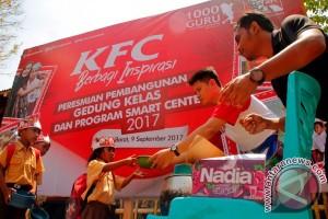 Warga Apresiasi Bantuan Pendidikan dari KFC-1000 Guru