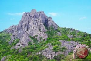 1.500 Anak Tangga ke Gunung Fatuleu