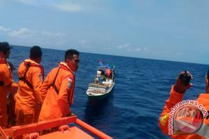 Basarnas Selamatkan Delapan Nelayan di Laut Timor