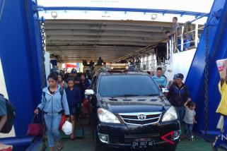 Arus balik Lebaran di pelabuhan penyeberangan Bolok meningkat