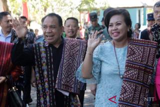 Gubernur teteskan air mata di penghujung akhir masa jabatan