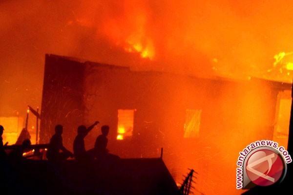 Kebakaran hanguskan ruko dan rumah di Kota Jayapura